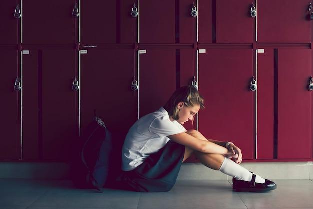 Tienerslachtoffer van pesten Premium Foto