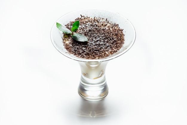 Tiramisu in een glazen beker Premium Foto