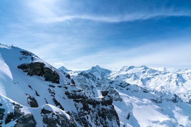 Titlisberg in de zomer, zwitserland Premium Foto