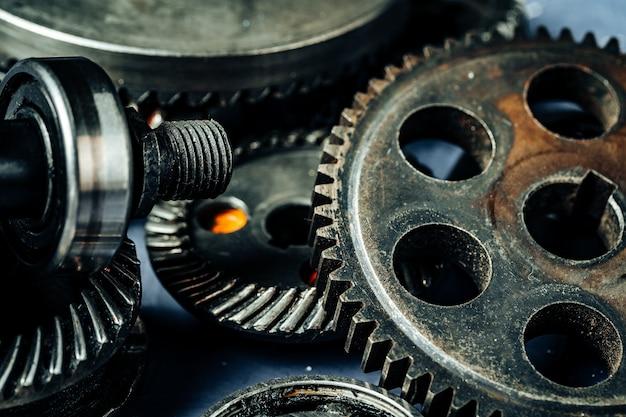 Toestellen van een oude industriële machine Premium Foto