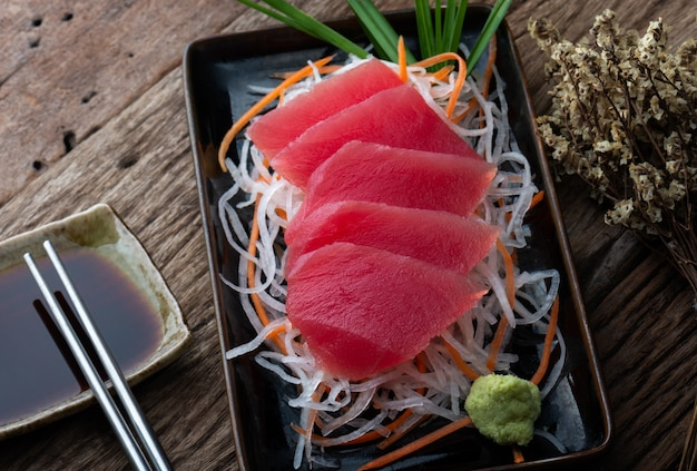 Tonijnsashimi japanse stijl. Premium Foto