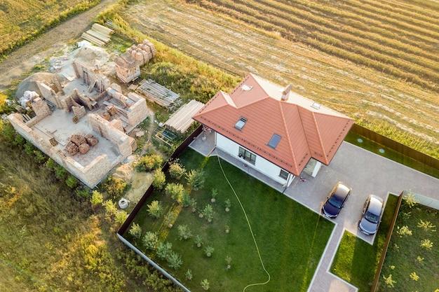 Top-down luchtfoto van twee privéwoningen Premium Foto