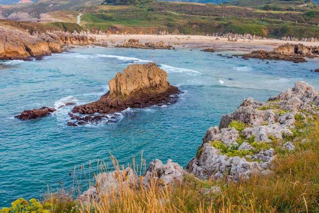 Toro beach, llanes, asturië, spanje Premium Foto