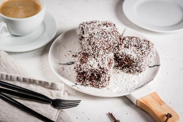 Traditioneel dessert lamington Premium Foto