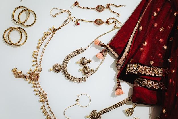 Traditionele indiase bruiloft sieraden Gratis Foto