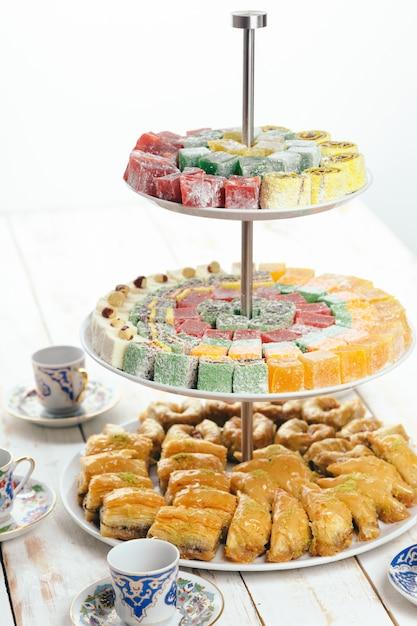 Traditionele oostelijke desserts Premium Foto
