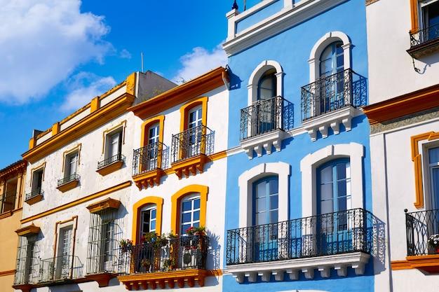 Triana barrio sevilla gevels andalusië spanje Premium Foto