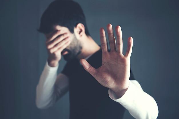 Trieste man hand stop of geen teken Premium Foto