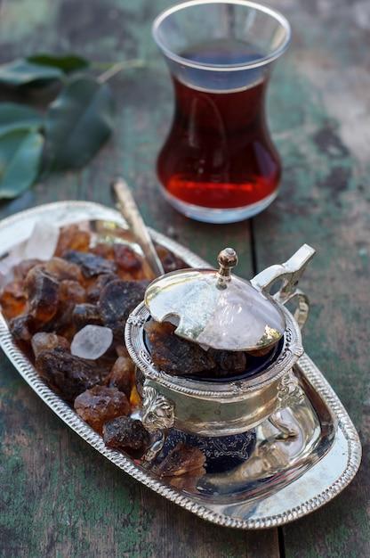 Turkse thee en suikerpot Premium Foto