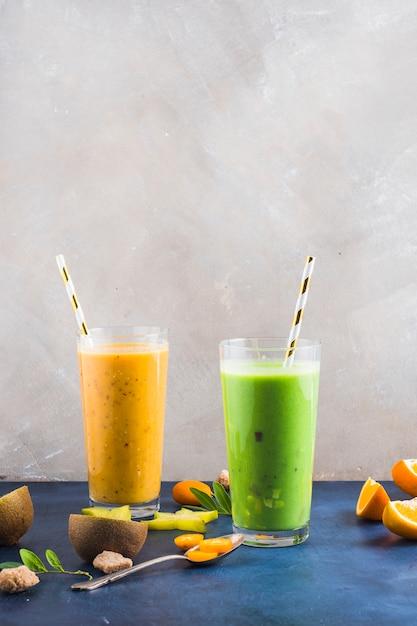 Twee gezonde en heerlijke smoothies Gratis Foto