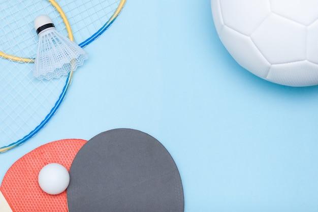 Uitrusting voor voetbal, badminton en tafeltennis Premium Foto