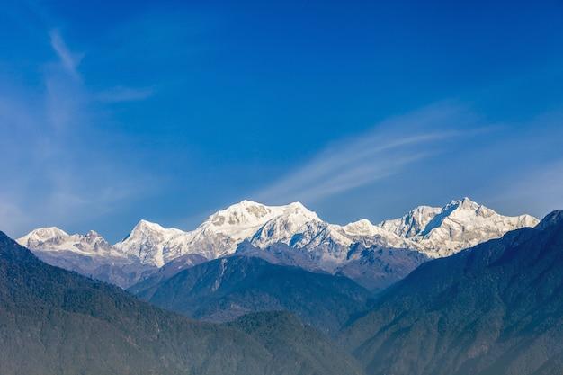 Uitzicht op de berg kangchenjunga Premium Foto