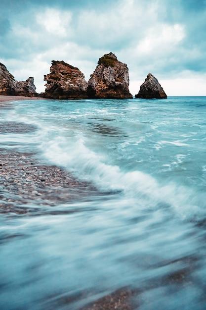 Ursa beach onder de klif Premium Foto
