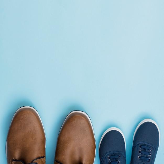 Vader en zoon paar schoenen Gratis Foto