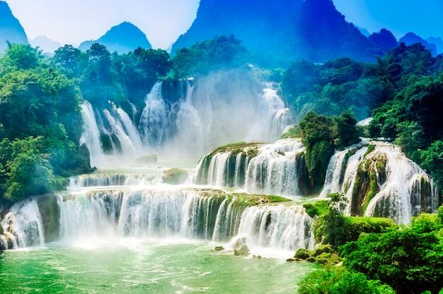 Vakantie wonder verse bomen waterval buiten Gratis Foto
