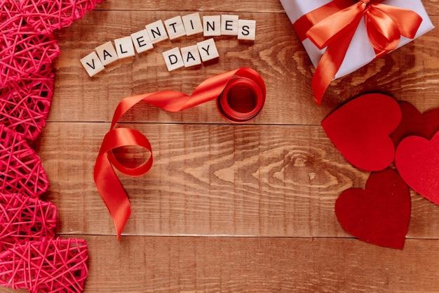Valentijnsdag achtergrond. plat lag, bovenaanzicht. Premium Foto