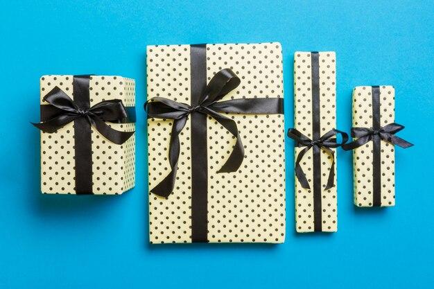 Valentine-gift in de hoogste mening van de vakantiedecoratie, copyspace Premium Foto