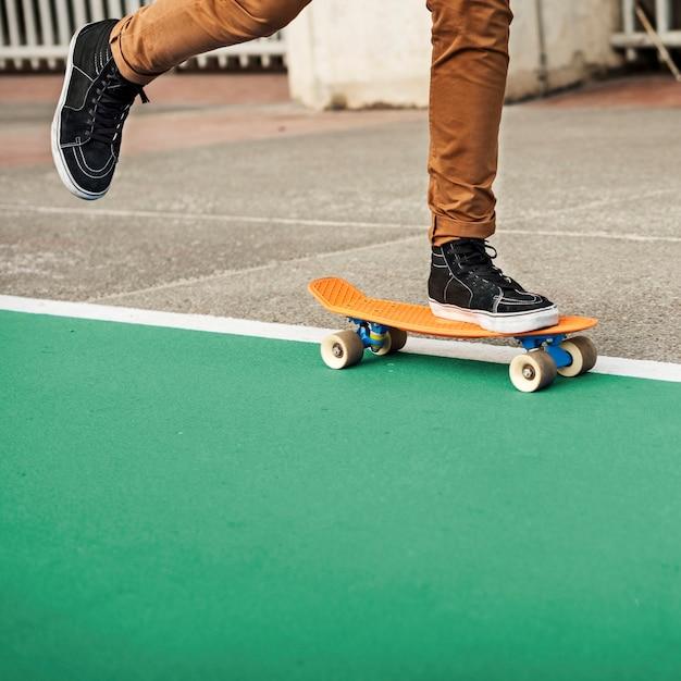 Van de de sportenschaatser van het skateboard het extreme sport concept van de de recreatie Premium Foto