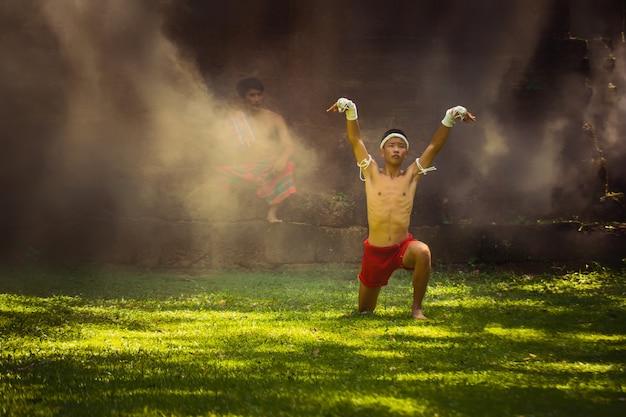 Vechtsporten van muay thai, thai boxing, Premium Foto