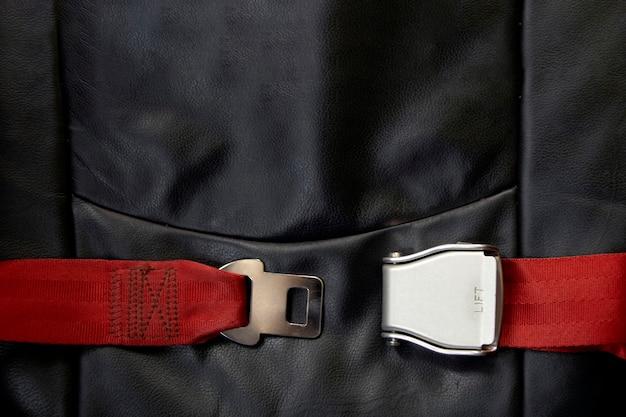 Veiligheidsgordel in vliegtuig Premium Foto