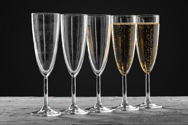 Vele glazen champagne Premium Foto