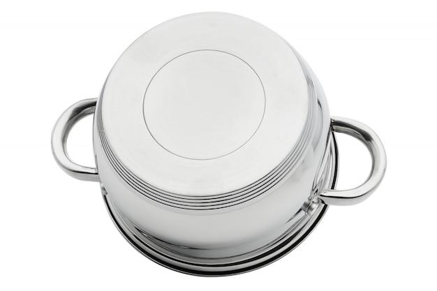 Verchroomde zilveren ijzeren pan ondersteboven isoleren op een witte achtergrond. kookgerei. Premium Foto