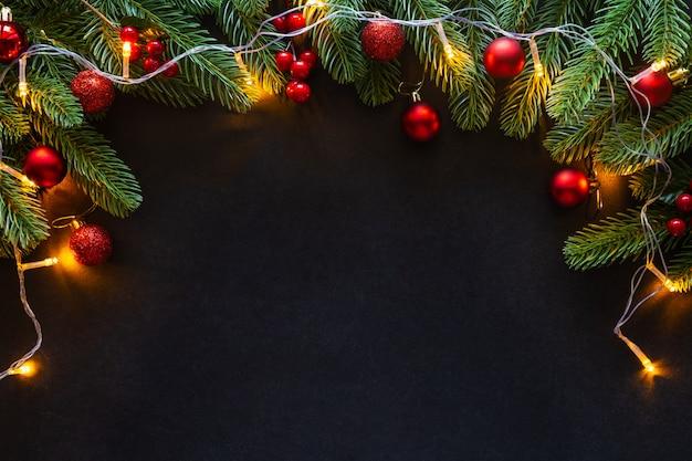 Verfraaid het huisthema van het kerstmiskader achtergrond. Premium Foto