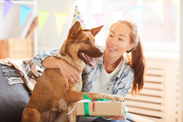 Verjaardagscadeau voor hond Premium Foto