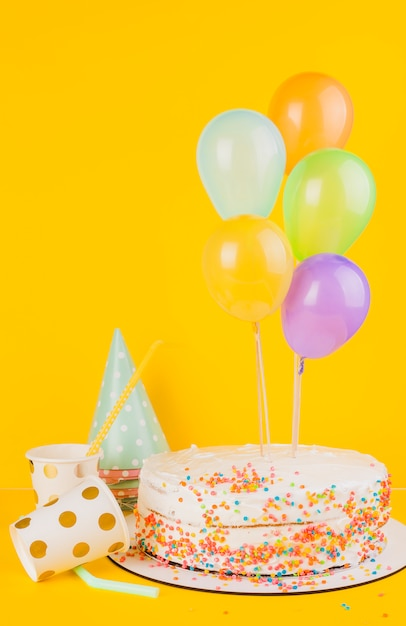 Verjaardagstaart stilleven Gratis Foto