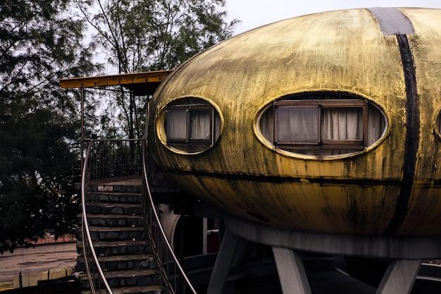 Verlaten ufo-huis in taiwan Gratis Foto