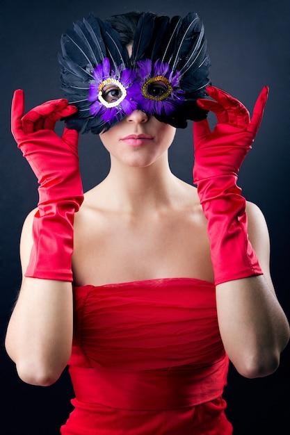 Verleidelijke persoon masker kleding levensstijl Gratis Foto
