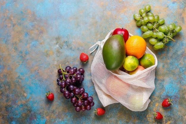 Vers biologisch geassorteerde fruit en bessen. Gratis Foto