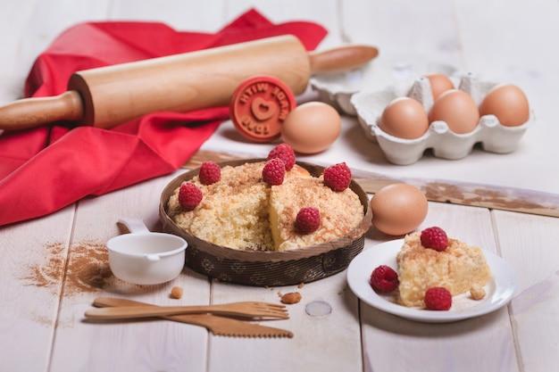 Vers dessert van fruittaart met frambozen Gratis Foto