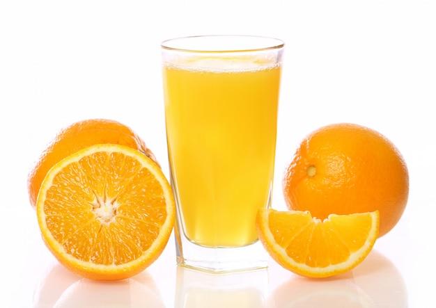 Vers en koud sinaasappelsap Gratis Foto