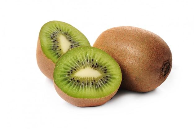 Vers geïsoleerd kiwifruit Gratis Foto