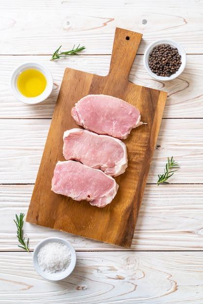 Vers varkensvlees rauw Premium Foto