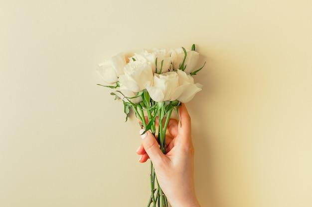 Vers wit rozenboeket Premium Foto