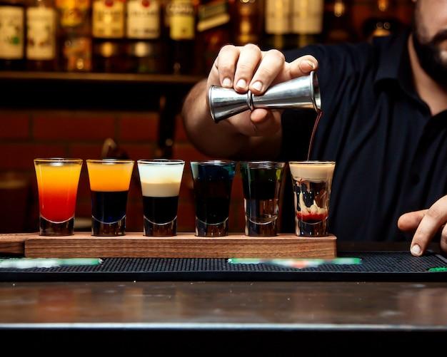 Verschillende selectie van cocktailshots Gratis Foto