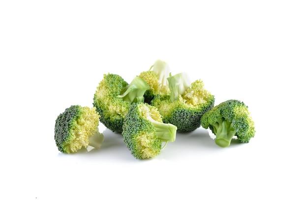 Verse brocoli op wit Premium Foto