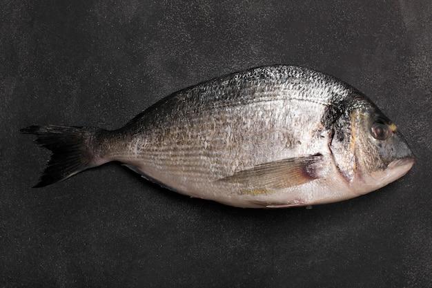 Verse dorado-vis. bovenaanzicht Premium Foto