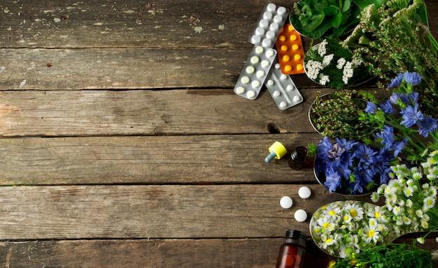 Verse geneeskrachtige kruiden. Premium Foto