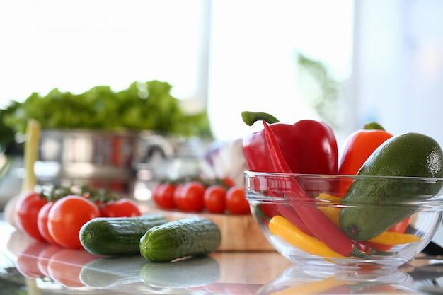 Verse rauwe chili assortiment assortiment fotografie Premium Foto