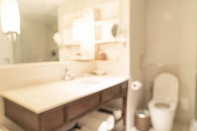 Vervagen badkamer in hotel resort voor achtergrond Premium Foto
