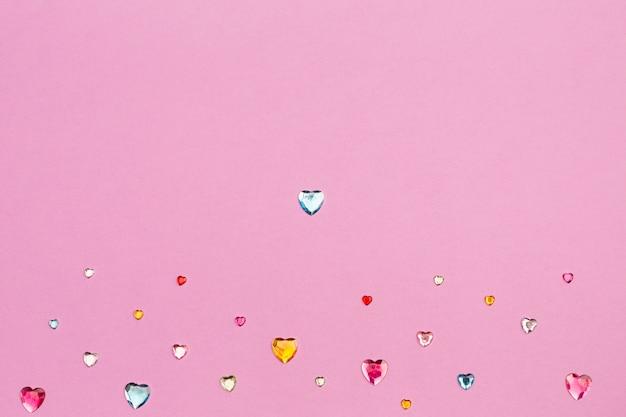 Verzameling van decoratieve hartsteentjes Gratis Foto