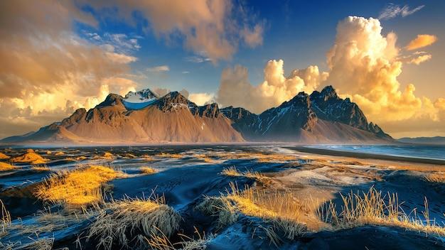 Vestrahorn-bergen in stokksnes, ijsland. Gratis Foto