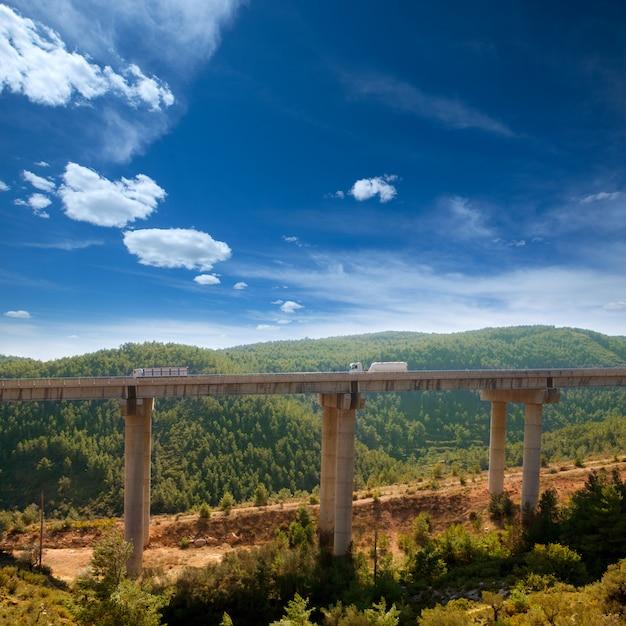 Viaducto de bunol in autovia a-3 weg valencia Premium Foto