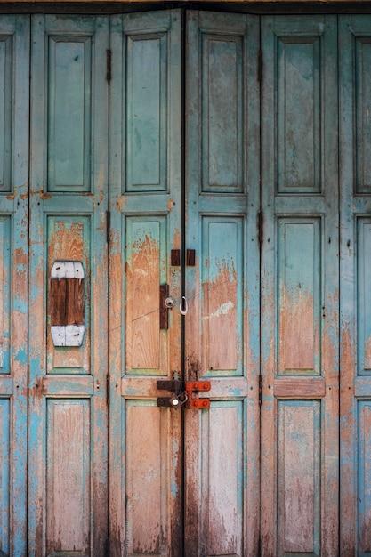 Vintage antieke vuile deur Gratis Foto
