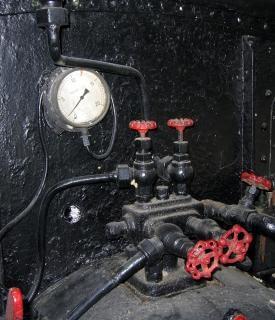 Vintage manometer en kleppen Gratis Foto