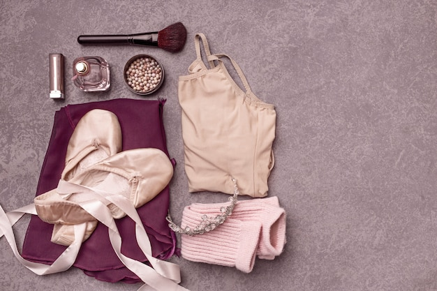 Vintage stilleven met rozen en balletschoenen Gratis Foto