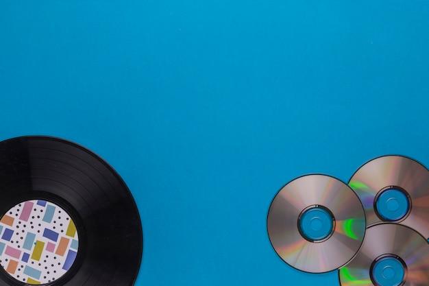 Vinylschijf met cd's Gratis Foto